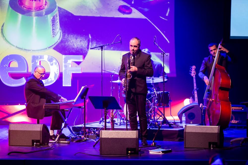 groupe de musiciens jazz cocktail